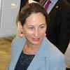 Ségolène  Royal, Ministre de l'Écologie, du Développement durable et de l'Énergie  accompagnée du Ministre de l'Économie, a invité le professeur et  ses étudiants à lui présenter « CityJoule » dans la cour du Ministère et  a également proposé d'échanger sur le sujet de la transition énergétique  au cours d'un déjeuner.
